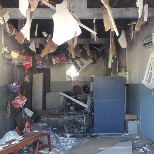 Assaltantes explodem único caixa eletrônico em Conceição do Canindé