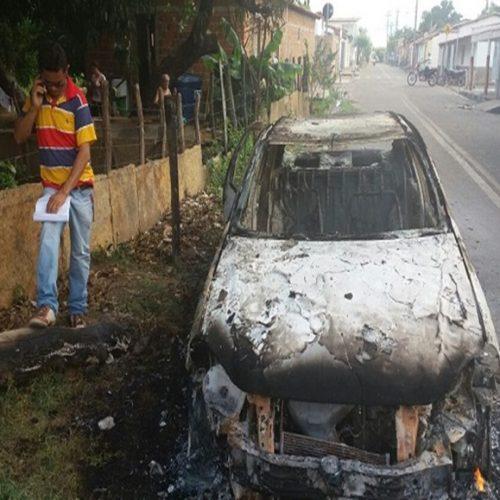 Carro tem pane elétrica e pega fogo em cidade do Piauí