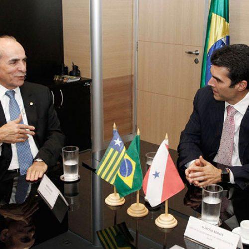 Marcelo Castro garante recursos para construção de adutoras em Vila Nova, São Raimundo Nonato e Dirceu Arcoverde