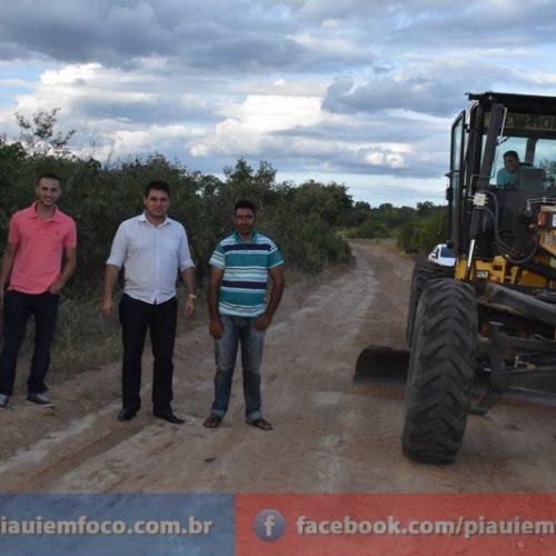 Prefeitura de Padre Marcos inicia recuperação de estradas vicinais no município