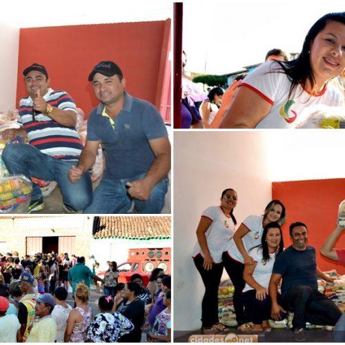 Prefeito Márcio Alencar entrega mais de 200 cestas básicas as famílias alegretenses; alimentos foram arrecadados durante aniversario do município