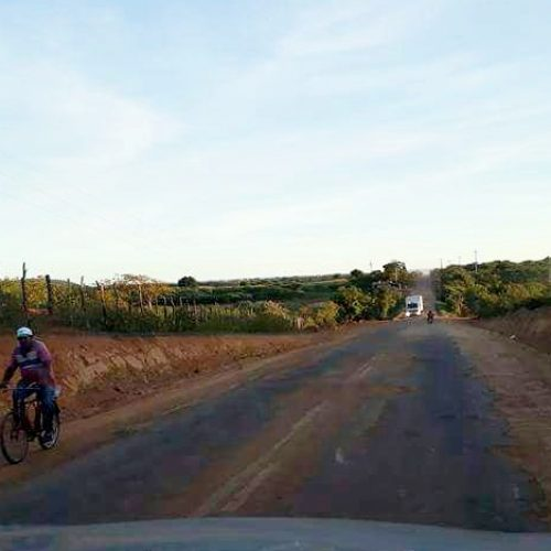 Empresa abandona obra do asfaltamento da estrada que liga Picos a Itainópolis