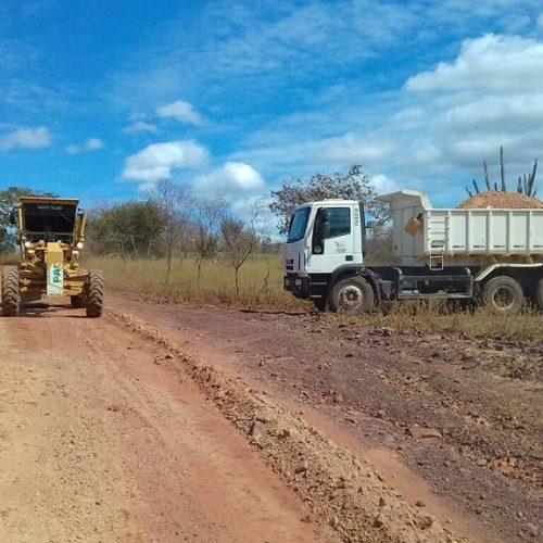 Prefeitura de Vera Mendes trabalha na recuperação das estradas vicinais