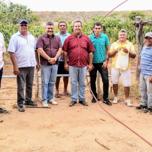 Agricultores sofrem com a seca no interior de Simões; prefeito busca alternativas para resolver a situação