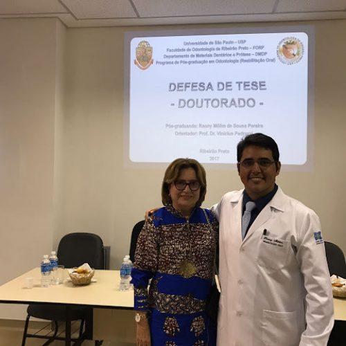 Município de Fronteiras ganha mais um Doutor formado pela USP; secretária de educação esteve presente na defesa da tese em SP