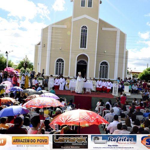 Festejo de Santo Antônio encerra com missa solene e procissão em Padre Marcos