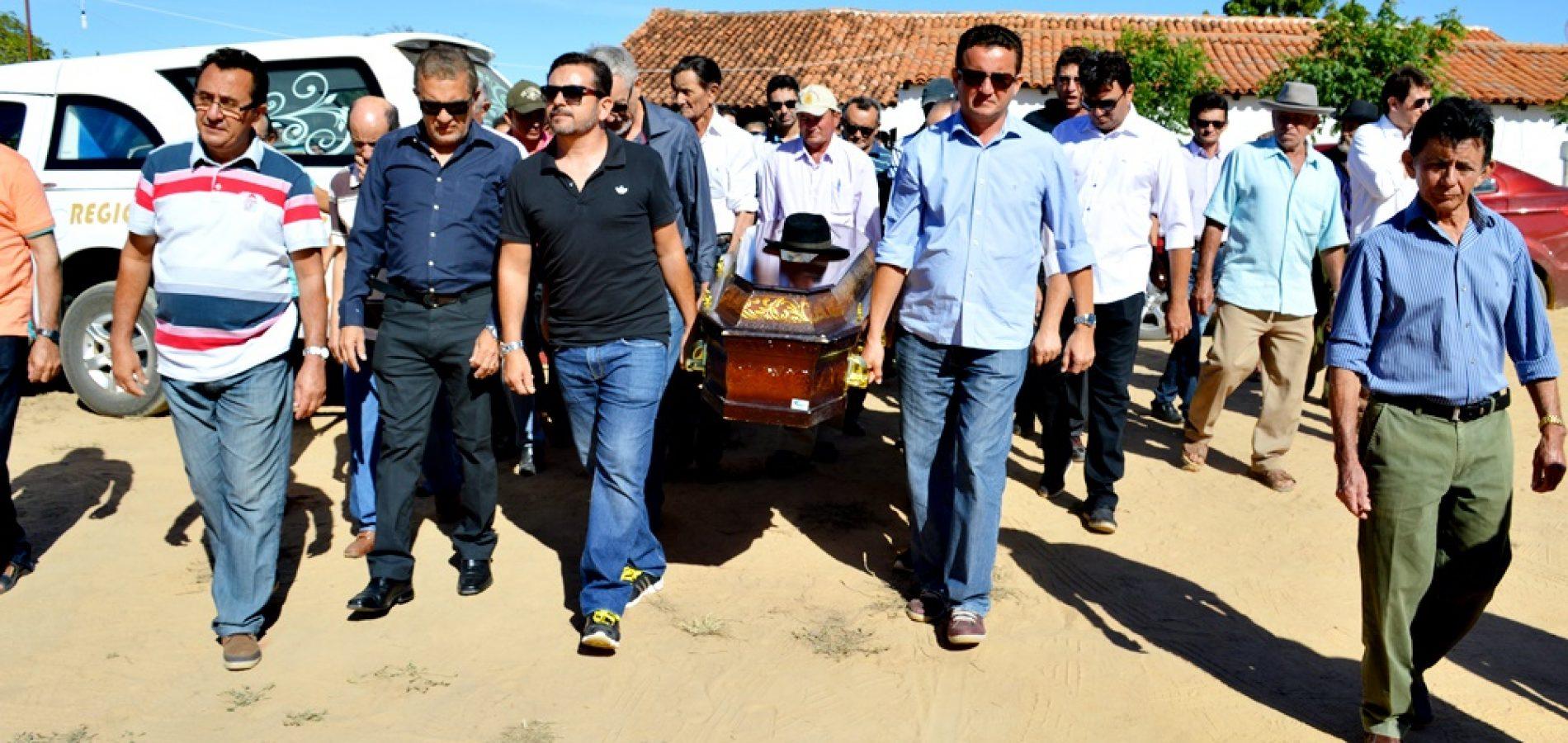 Comoção marca velório e enterro do 'Seu Navez' pai e avô de dois ex-prefeitos em Vila Nova do Piauí