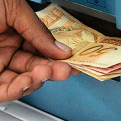 Prazo para saque do abono salarial ano-base 2015 termina quinta-feira (28)