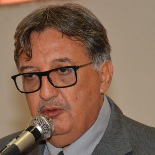 Carlos Luís retorna à Câmara de Picos após anunciar afastamento