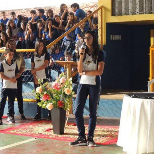 Estudante Vilanovense vence o V Concurso de poesia da escola IMH, em Picos