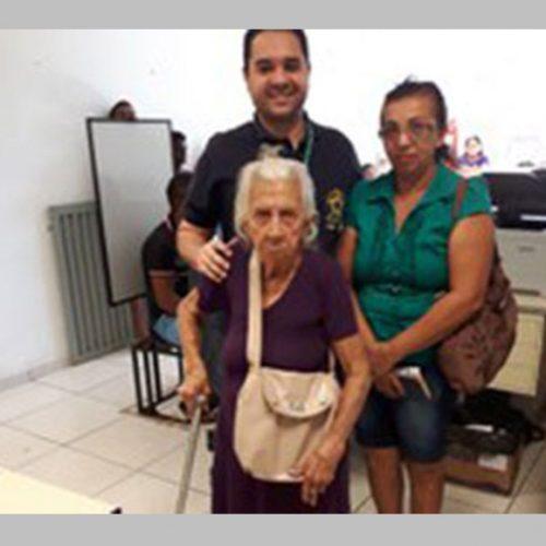 Eleitora do Piauí de 113 anos realiza recadastramento biométrico