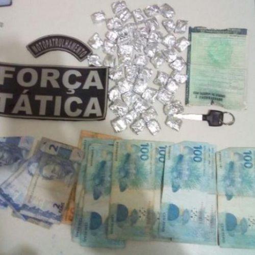 PM apreende 50 papelotes de maconha em Picos