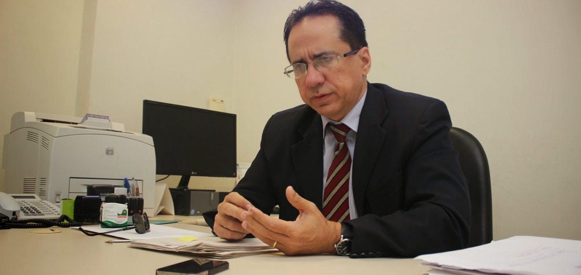 Procurador denuncia que custo com carros-pipa em oito anos daria pra construir Adutora do Sertão