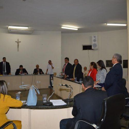 TJ cassa liminar e confirma reeleição de Hugo Victor para a presidência da Câmara de Picos