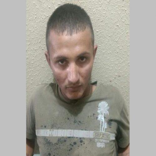 Homem é segurado por populares acusado de furtar moto no centro de Picos