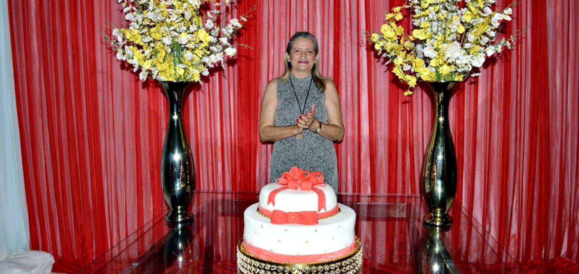 GENTE EM EVIDÊNCIA | Evento organizado por amigos e familiares comemora aniversário da primeira dama de Vila Nova