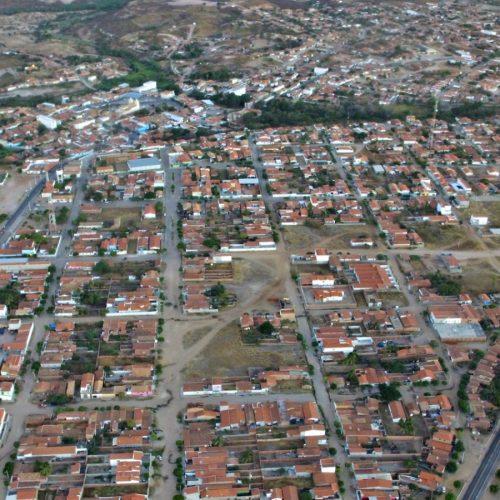 Governo do Estado construirá adutora para abastecer a cidade de Jaicós, anuncia secretário