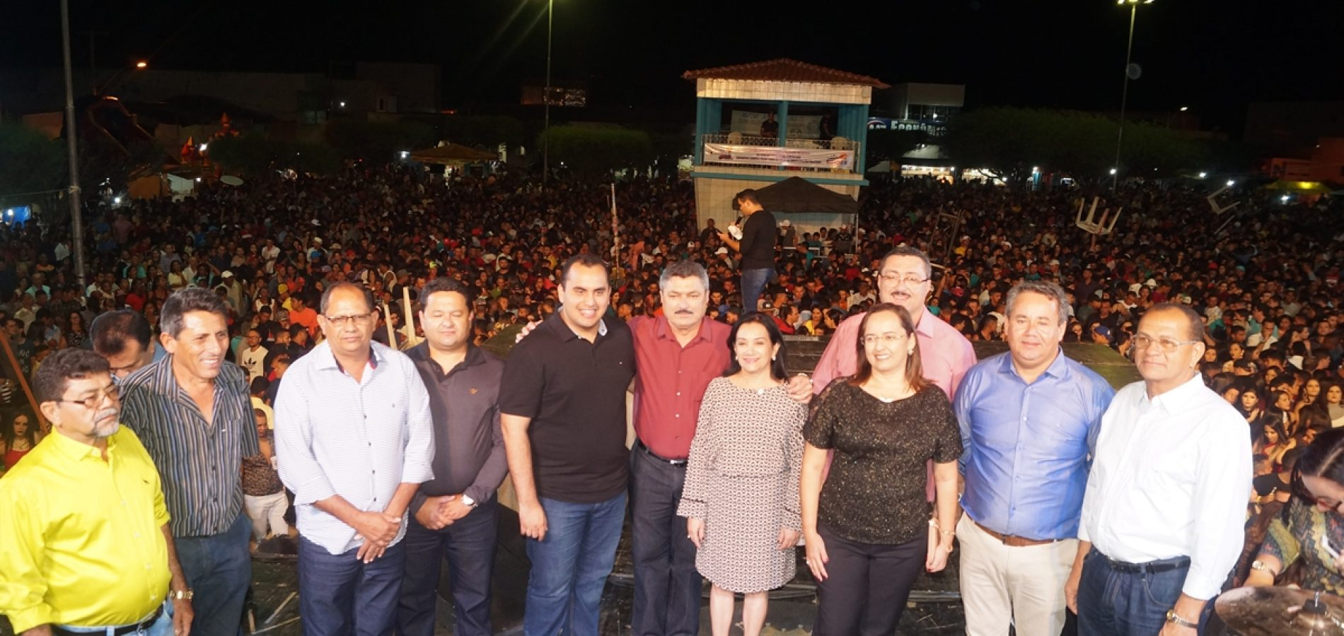 FOTOS | Shows de Luan Estilizado, Katia Cilene e Marlos do Acordeon no aniversário de Simões