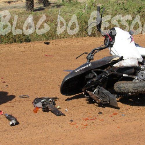 Homem morre após colisão de moto e caminhão na PI-210