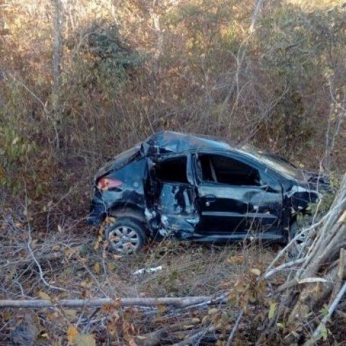 """Mais um carro tomba na """"rodovia da Morte"""" no sul do Piauí"""