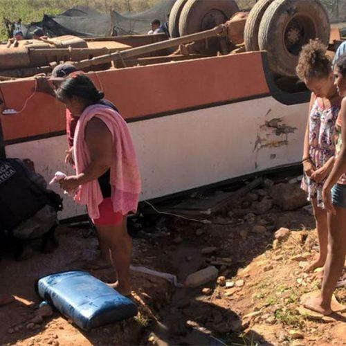 Acidente com ônibus deixa 20 feridos no interior do Piauí