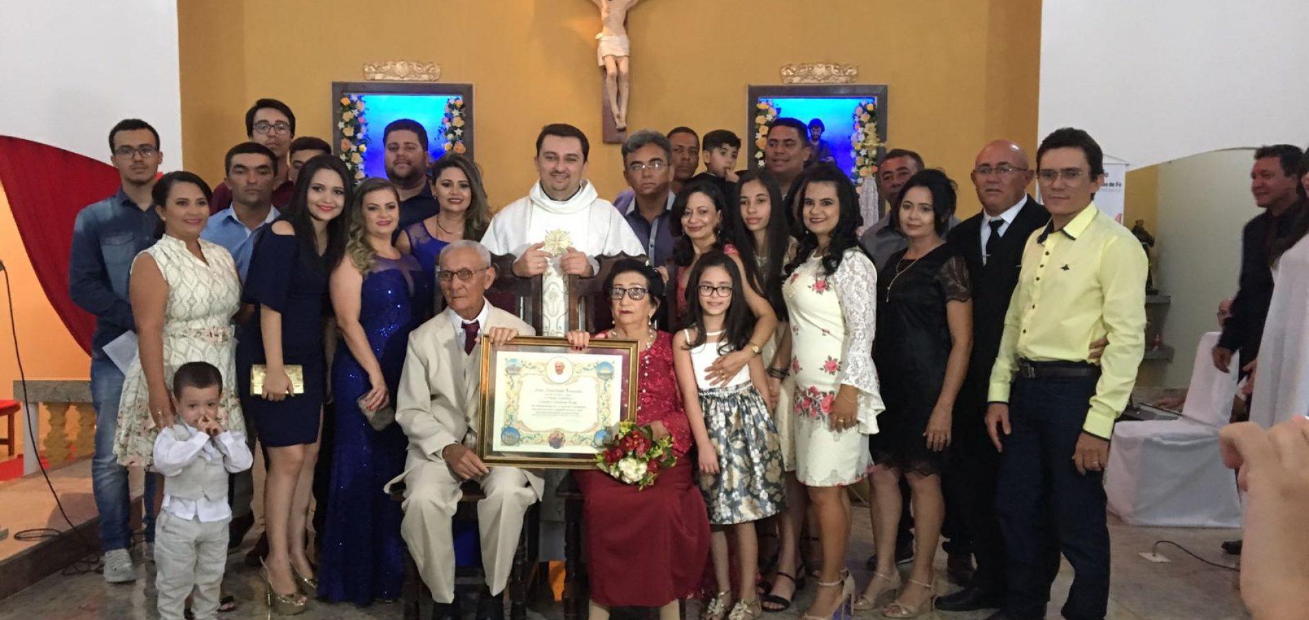 GENTE EM EVIDÊNCIA | Cerimônia religiosa marca os 70 anos de casados de Cláudio e Claudina, em Alagoinha-PI