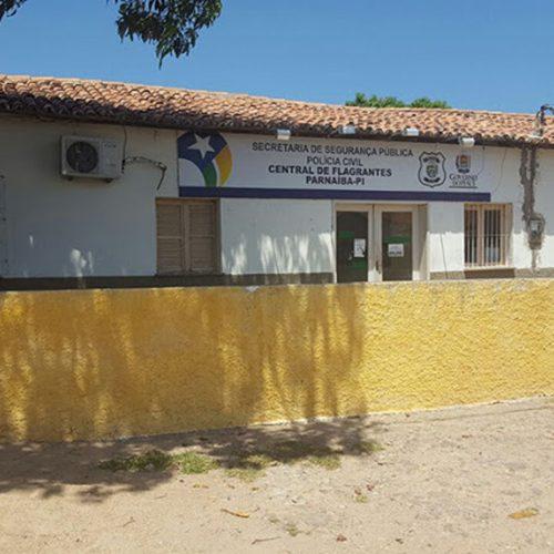 Suspeito de três homicídios foge com dupla de delegacia no Piauí