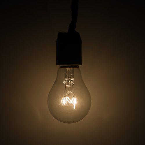 Conta de luz deve ficar mais cara em agosto por falta de chuvas