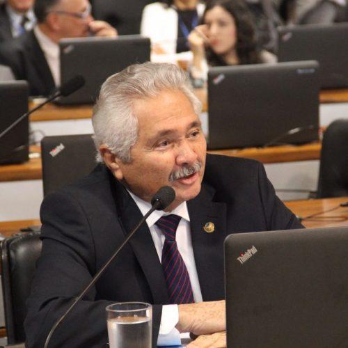 Em discurso, Elmano Ferrer ressalta obras federais de infraestrutura no Piauí
