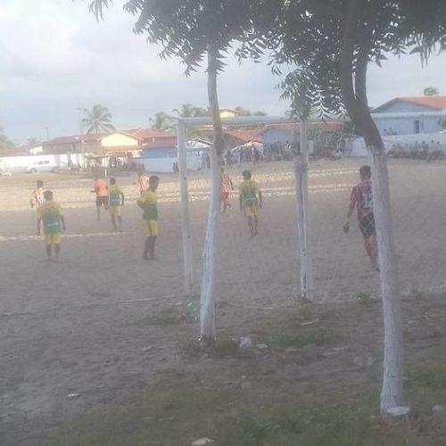 Jovem sofre parada cardíaca e morre durante partida de futebol no Piauí