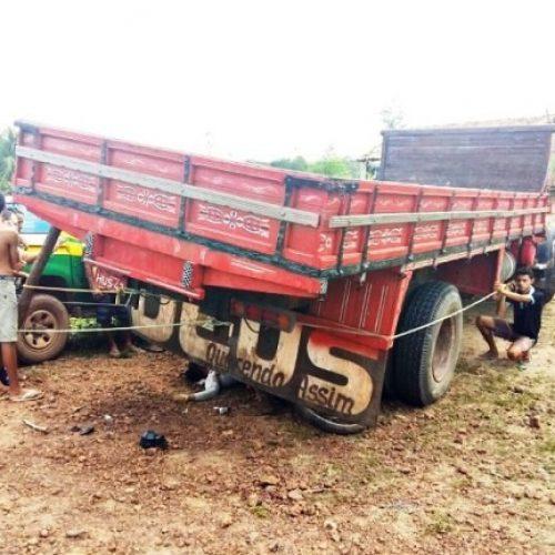 Vaqueiro morre após colisão de motocicleta com caminhão no interior do Piauí