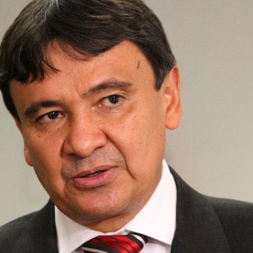 Wellington Dias sanciona lei para dificultar fraudes em concurso