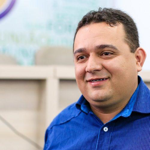 Prefeito Toninho tem 86% de aprovação em Caridade, diz pesquisa