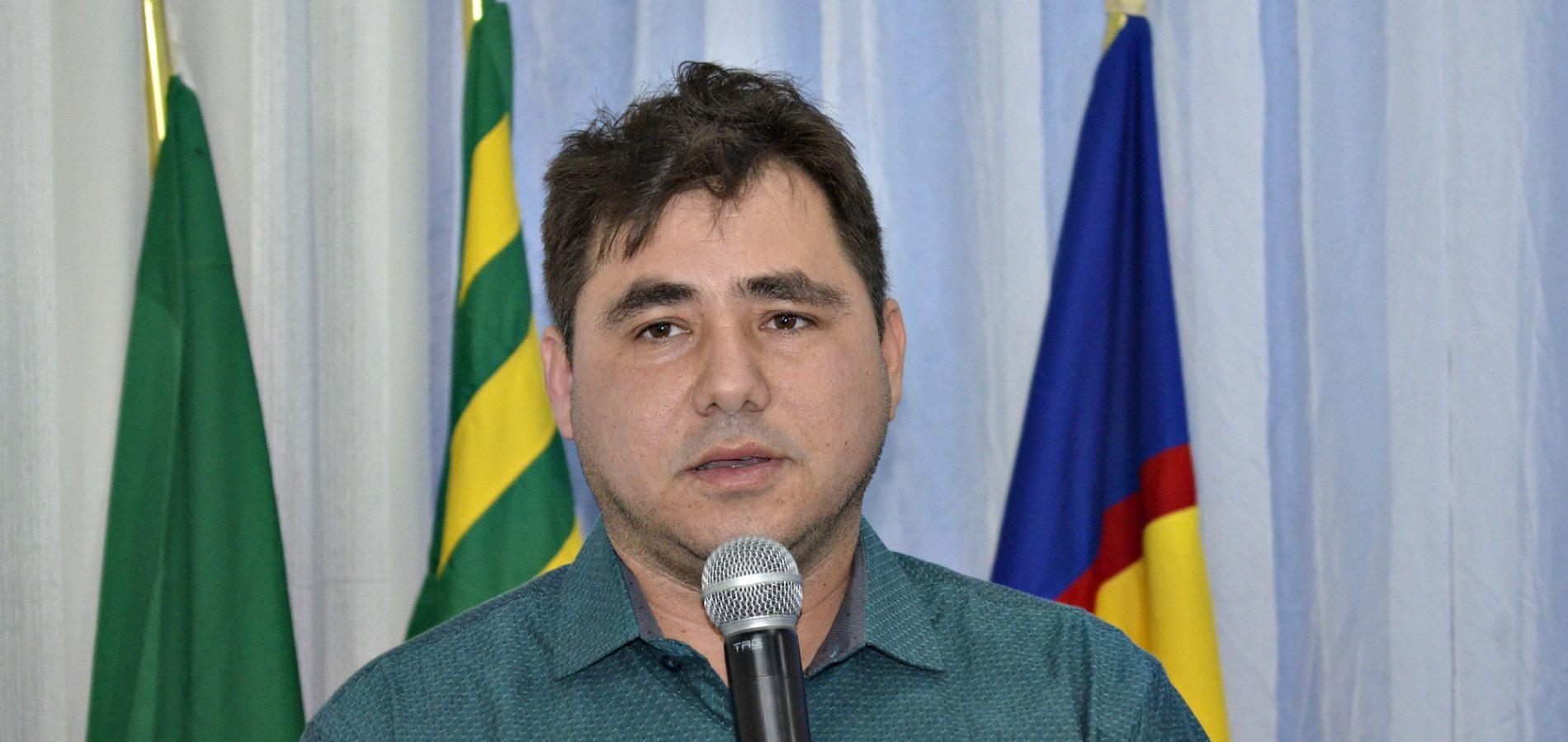 Em Teresina, prefeito Valdinar busca melhorias para rede de energia em Padre Marcos