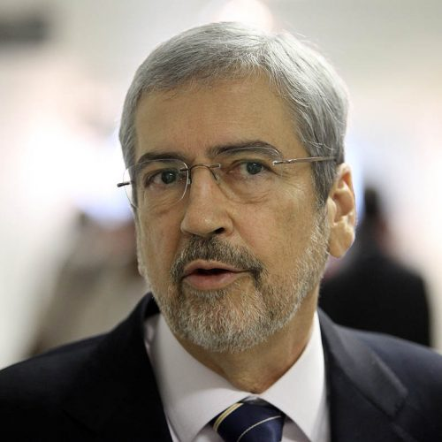 Ministro da Secretária de Governo diz que Temer deve exonerar ministros para que votem contra denúncia