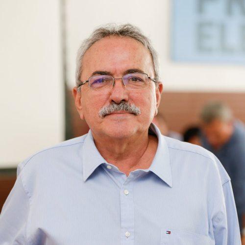 Átila Lira é expulso do partido por ter votado favorável à Reforma da Previdência