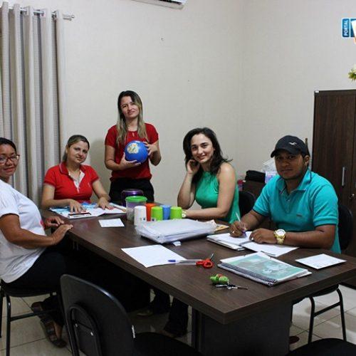 CAMPO GRANDE | Capacitação é realizada com os visitadores do Programa Criança Feliz