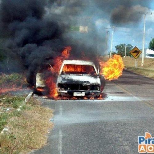 Casal escapa de veículo pegando fogo em cidade do Piauí