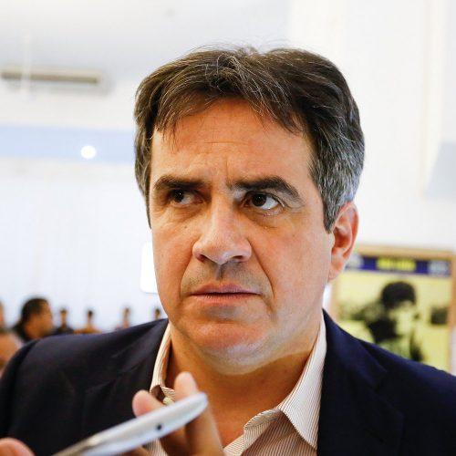 Ciro reage à duas vagas para o PT na chapa governista