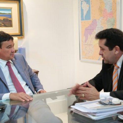 Governador autoriza licitação para a construção de barragem entre São Julião e Fronteiras