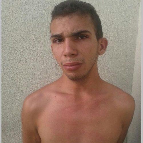 Homem é preso após ameaçar vítima de agressão na frente da polícia