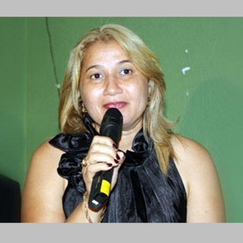 Ex-prefeita de Dom Expedito Lopes é condenada por contratar 192 servidores sem concurso