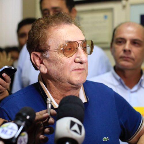 Mão Santa nega xingamentos a funcionários de escola no Piauí