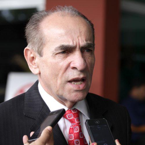 Castro diz que MDB não vai impor vaga e nem aceitar chantagem de aliados