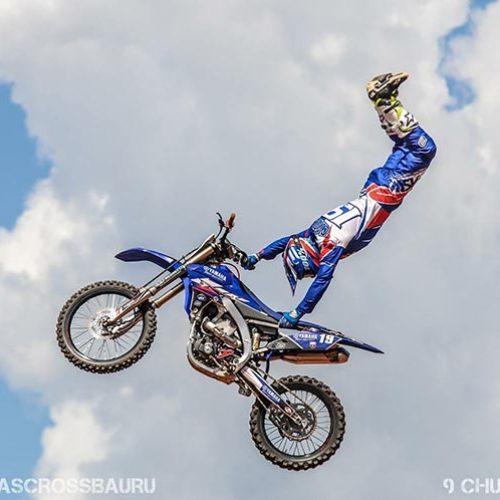 Abertura do piauiense de motocross tem mega apresentação de feras do frestyle