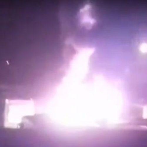 Ônibus queima por completo dentro de garagem de companhia no Piauí; veja o vídeo