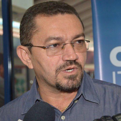 Pe. Walmir Lima anuncia demissão de contratados e comissionados