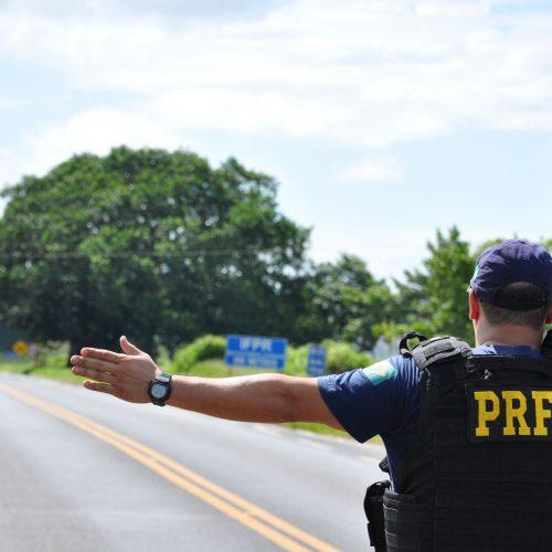 Polícia Rodoviária Federal notifica 250 motoristas por dia no Piauí