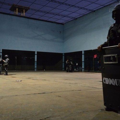 Governo determina revista em todos os servidores de presídios do Piauí