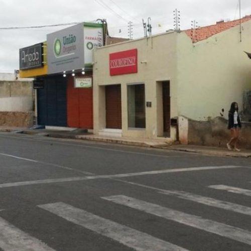 Homem embriagado capota veículo e fica ferido na cidade de Picos